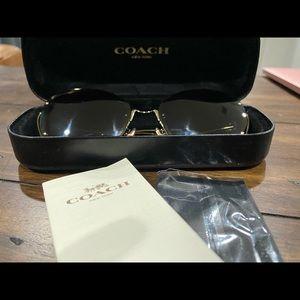 COACH sunglasses, BNWOT,  case and cloth